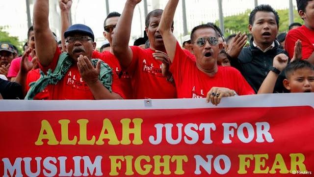 """Malaysia Sita 300 Kitab Injil Karena Gunakan Kata """"Allah"""", Allah Hanya Tuhan Milik Umat Islam"""