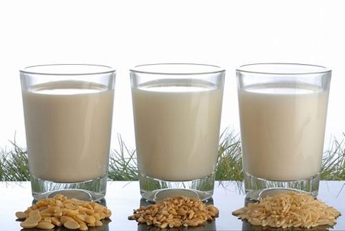 Công thức làm sữa gạo đẹp da rất đơn giản