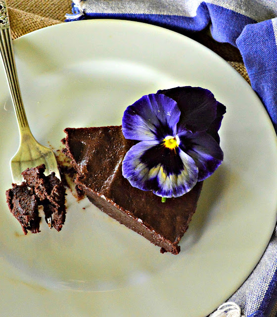 Chocolate Fudge Passover Cake and not just for Passover. Contains chocolate, butter, eggs and sugar. How easy is that? #chocolate #Passoverrecipes #cake #glutenfree www.thisishowicook.com