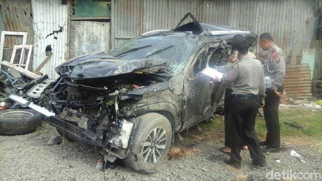 3 Tewas Tertabrak Kereta Api, Saksi: Mobil Mati di Tengah Rel