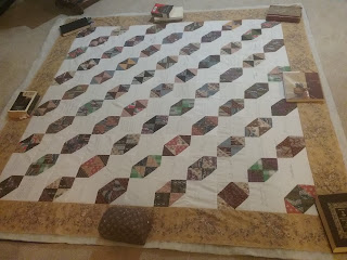 Reproducton hourglass album quilt top