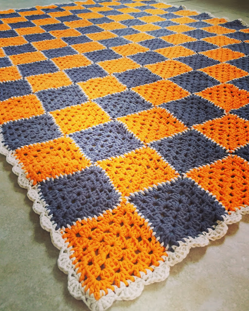 Mrs Bishop's crochet granny square blanke