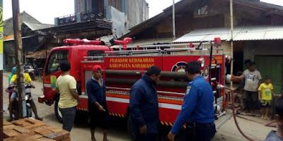 Rumah Milik Pedagang Cikampek Kebakaran