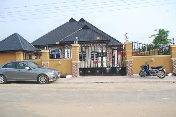 Nigerian Celebrities Storms Clement Ogudu's House Warming Party At Oleh, Delta State