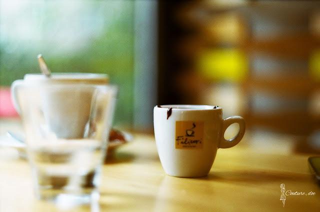 kawiarnia, filiżanki