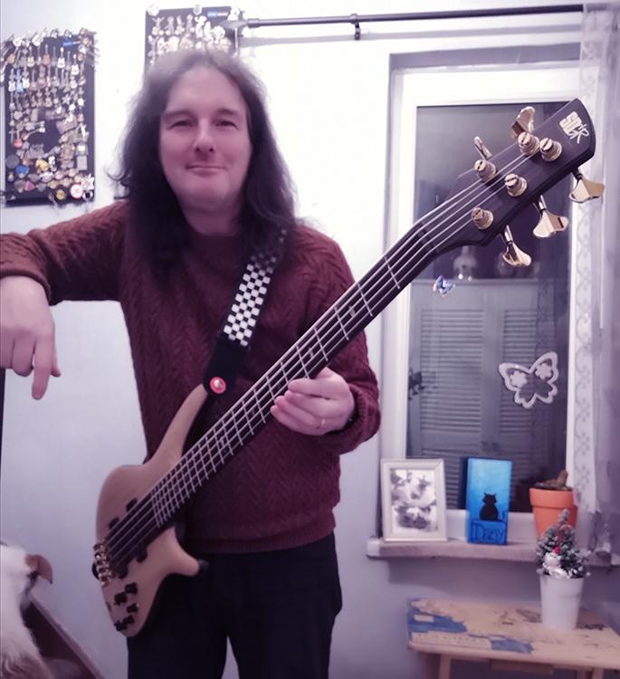 ian edmundson ibanez bass