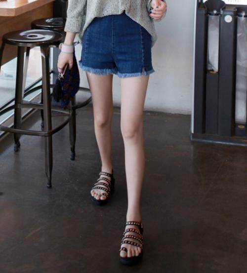 Denim Side Zipper Frayed Hem Shorts