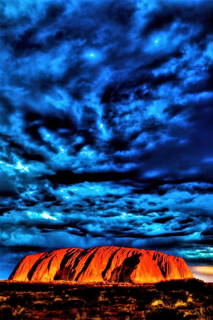 The Uluru, Australia | 10 Places to See Beautiful Sunset Around The World