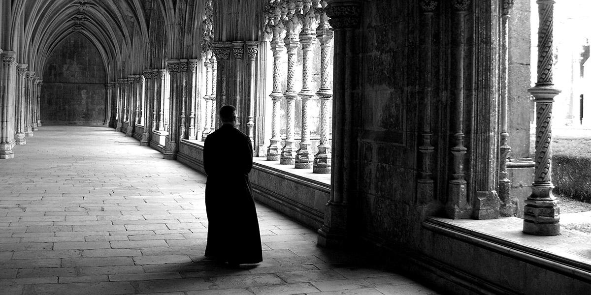 Malaikat Membebaskan Seorang Biarawan Swiss dari Serangan Iblis