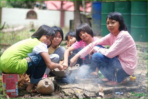 Image result for main pondok-pondok
