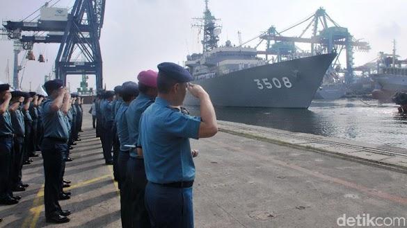 2 Kapal Latihan Jarak Jauh AL Jepang Singgah di Jakarta
