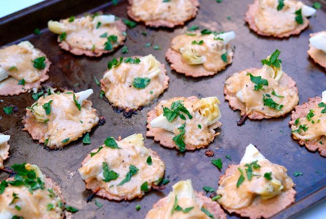 creamy artichoke bites appetizer crackers