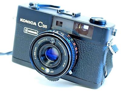 Konica C35 Automatic, Oblique view