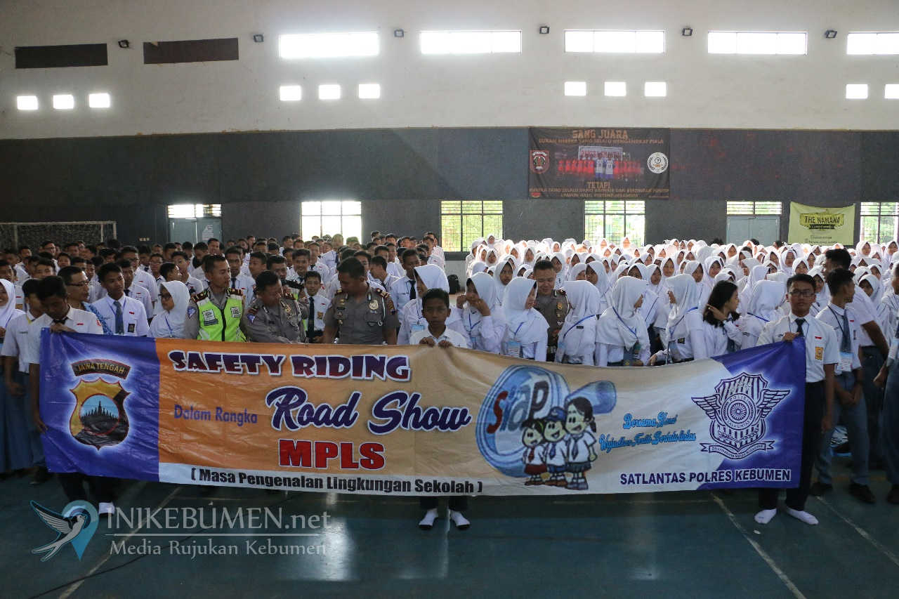 Safety Riding Road Show Digelar di SMA 2 Kebumen