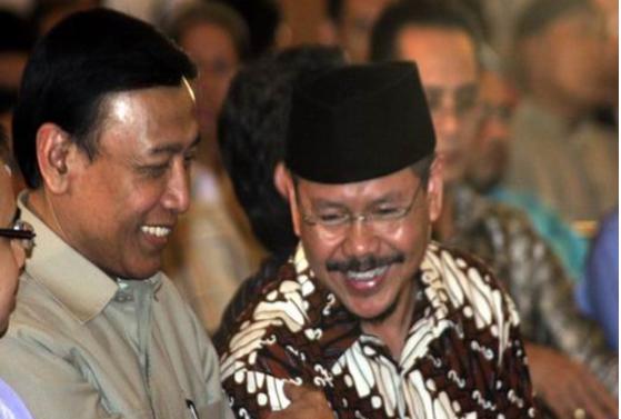 Dulu Bersahabat, Sekarang Ingin Bubarkan, Jubir HTI: Ada Apa Dengan Pak Wiranto?