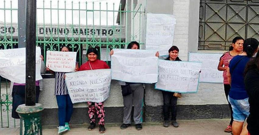 Padres toman colegio y exigen a UGEL Ascope cambiar a directora