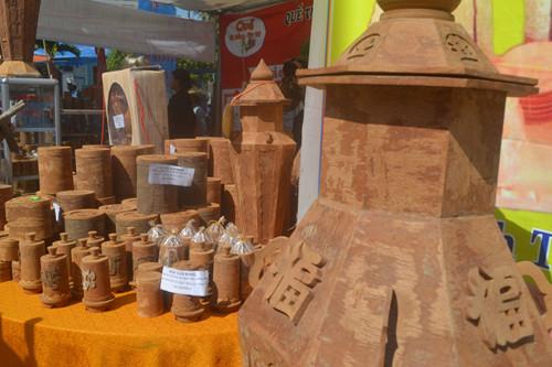Quế Trà Bồng được Tổ chức Kỷ lục châu Á xác lập kỷ lục châu Á, thuộc top 10 đặc sản kẹo mứt, thiên nhiên nổi tiếng của Việt Nam