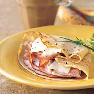"""<img src=""""tortilla-de-jamón-y-queso.jpg"""" alt=""""es ideal para un desayuno rico en proteína"""">"""