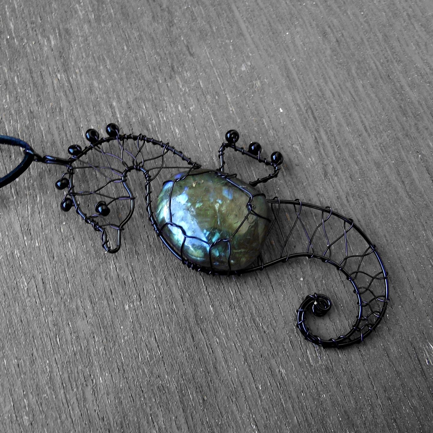 c9aacdb8c6e Black wire jewellery - Šperky z černého drátku