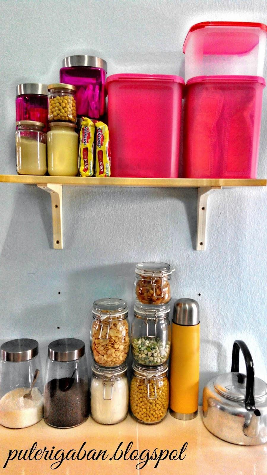 Kabinet Ni Kecik Je Supaya Muat Dengan Saiz Dinding Aku Cuba Guna Sebaik Mungkin Ruang Dapur Yang Ada Sebab Pun Tak Boleh Salah Letak