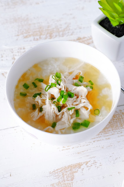 Chinese Shredded Chicken Porridge with spring onions