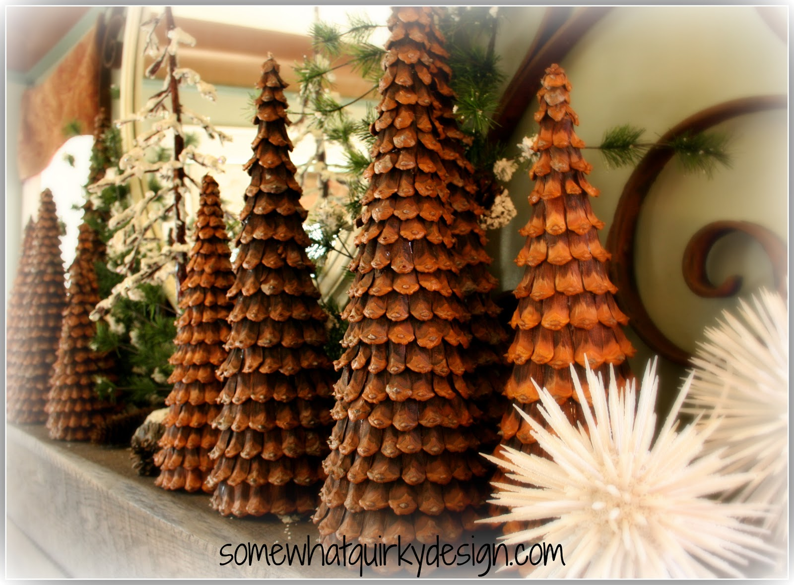 Somewhat quirky pine cone christmas trees for Pine cone christmas ornaments crafts