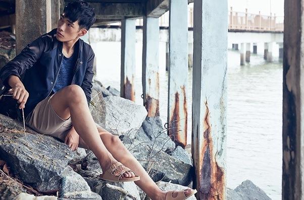 fesyen lelaki terkini, sneakers murah berkualiti, hot stylo metrosexual style, zalora menstyle, gaya lelaki urban, pakaian lelaki murah berjenama berkualiti, high quality cotton tshirt, bergaya seperti model, gaya santai fesyen lelaki k-pop