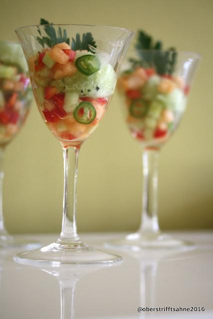 Gurken Sorbet mit Melonen Salsa