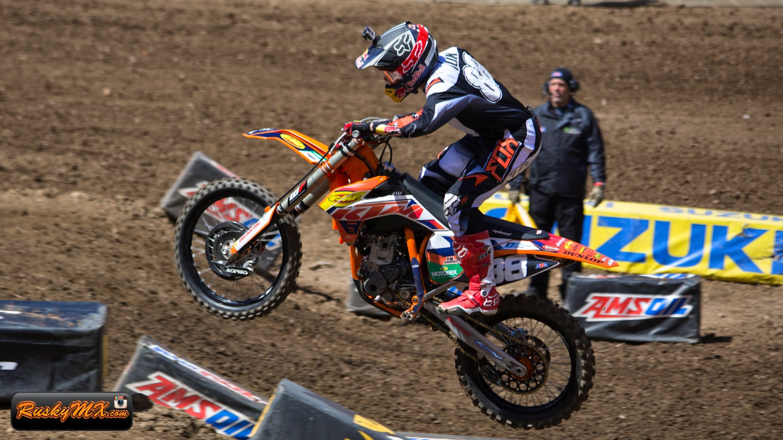 Dakota Alix Wallpaper MetLife SX
