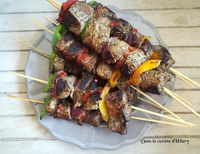 Brochettes de boeuf marinées aux accents du sud (chorizo, poivron et oignon rouge) - Dans la cuisine d'Hilary