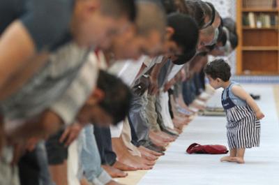 Bacaan Doa Iftitah dan Terjemahan