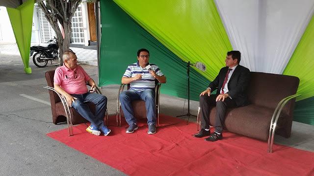 Grande público comparece para café da manhã com o prefeito Olivânio no centro da cidade de Picuí