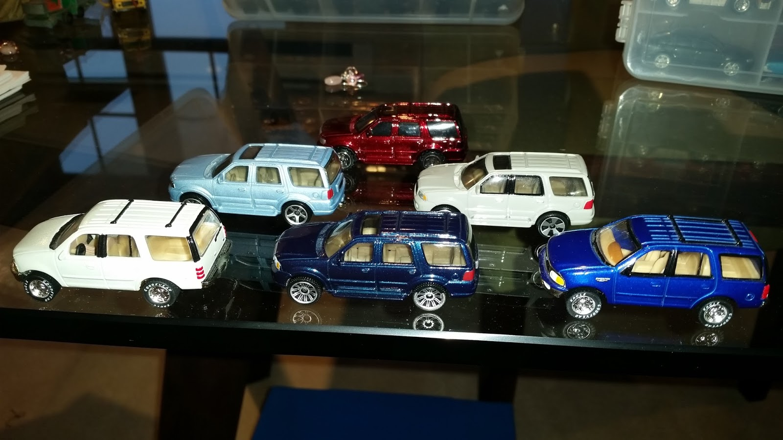 I love toy car SUVs. Iu0027m not sure why - perhaps I had so few of them as a kid. I always wanted the Hot Wheels Ford Bronco and the Ford Flareside ... & Matchbox Frenzy: The Battle of the Matchbox Ford Full-Size Luxury ... markmcfarlin.com