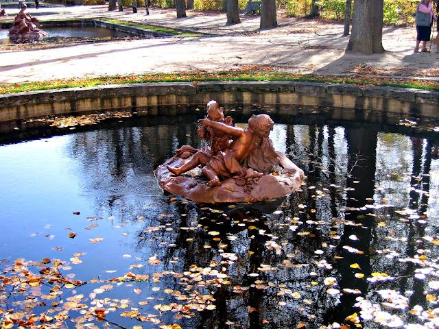 Las grandiosas esculturas de La Granja de San Ildefonso en plomo pintado