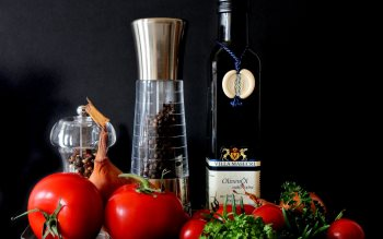 Wallpaper: Mediterranean food: olive oil, tomatoes, spices