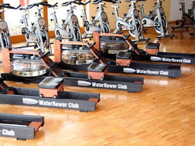 rameur WaterRower Club pour les salles  de sport