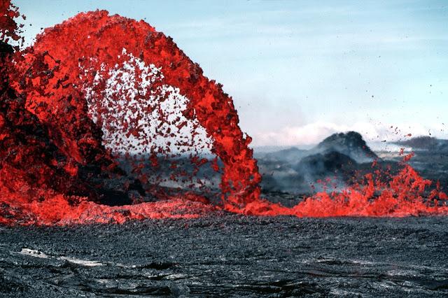 Spout of lava, floor is lava challenge,