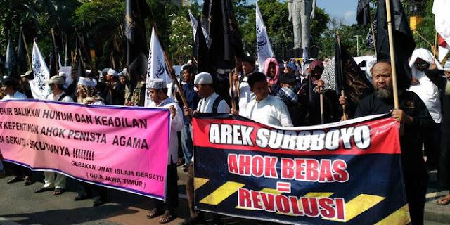 Gerakan Umat Islam Bersatu (GUIB) Jawa Timur : Ahok Bebas = Revolusi