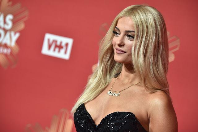 Bebe Rexha – 2016 VH1's Divas Holiday