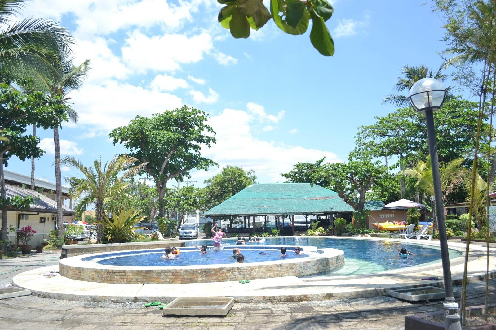 Bernabeach Resort swimming pool