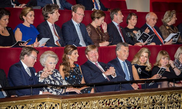 King Willem-Alexander, Queen Maxima, Princess Beatrix and Prince Constantijn attend a Theatre show at Dilligentia with president Mauricio Macri and Juliana Awada.