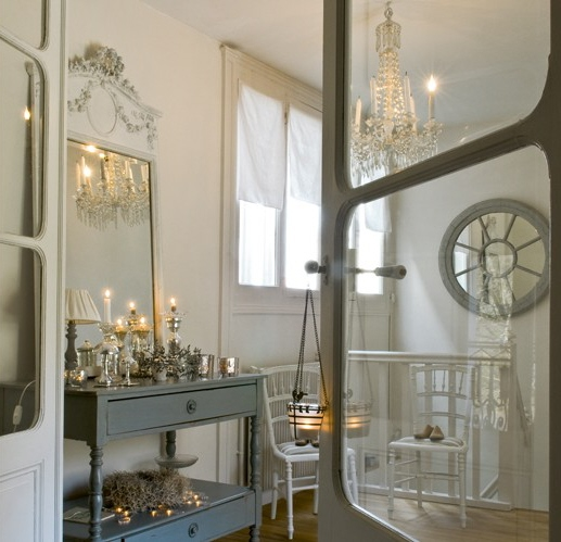 White and Grey Holiday, image via Art et Decoration as seen on linenandlavender.net