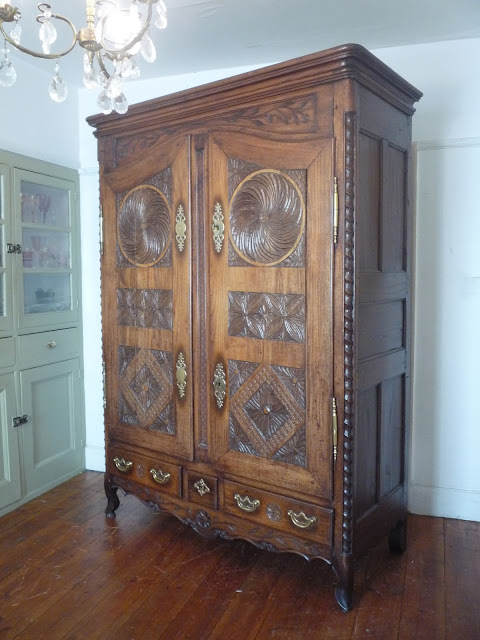 http://www.dazzlevintagefurniture.co.uk/French-Furniture-Items-Currently-For-Sale.htm