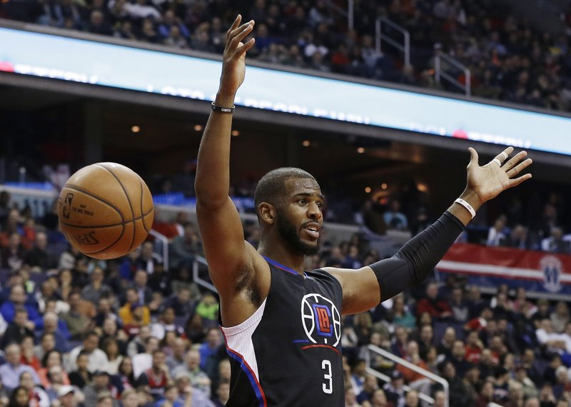 Chris Paul acquired by Houston Rockets from Clippers in 8-player deal