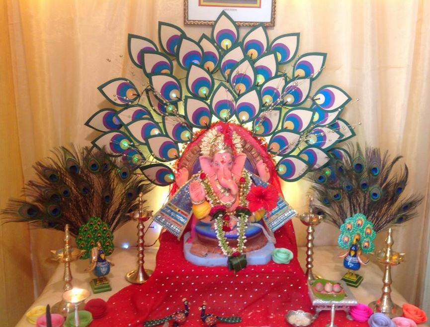 Amazing ganesha decoration ideas for ganesh chaturthi for Artificial flower decoration for ganpati