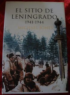 Portada del libro El sitio de Leningrado 1941-1944, de Michael Jones