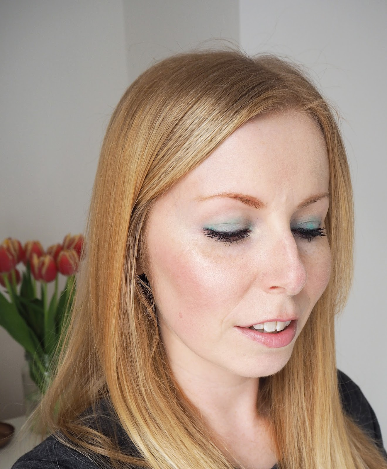 Dolce and Gabanna summer makeup reviewed swatches on pale skin