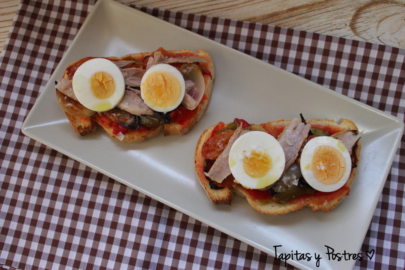 Tapitas y postres tosta de escalivada con salmorejo for Comida rapida y facil de preparar en casa