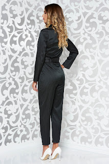Salopeta StarShinerS neagra eleganta din material satinat cu decolteu in v accesorizata cu cordon • StarShinerS