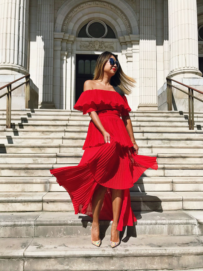 Best Red Off Shoulder Dress, Style steal Red dress, How to Style a Red Dress, Chicago Red Dress, Jennifer Worman